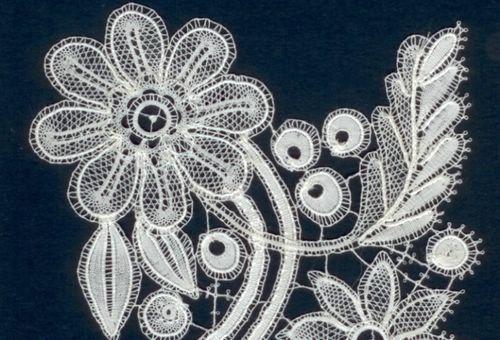Duchesse bobbin lace