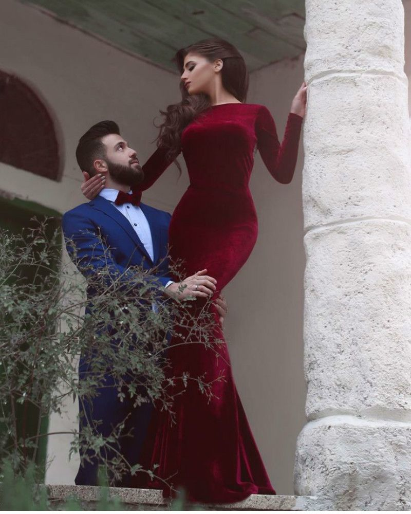 Fashion red velet mermiad long sleeves backless prom dress with