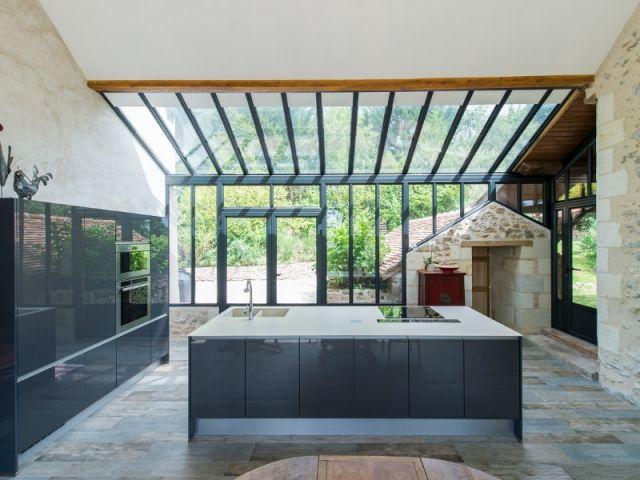 Extension Maison Une Veranda Imbriquee Entre Trois Batiments Existants Extension Maison Veranda Cuisine Maison