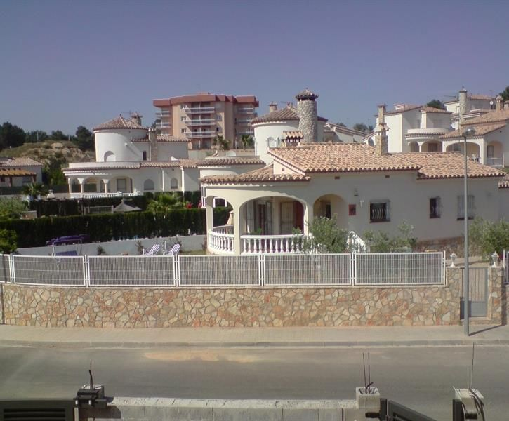 Holiday Villa In El Perello City For Rent Prices From 789 To