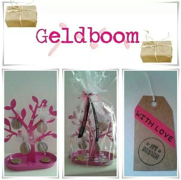 Geldboom Gemaakt Als Verjaardagscadeau Van Een Klein