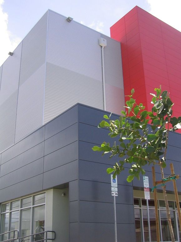 Superbe Diamond Head Self Storage Uses A Mix Of Vertical And Horizontal Kingspan  Insulated Metal Panels.