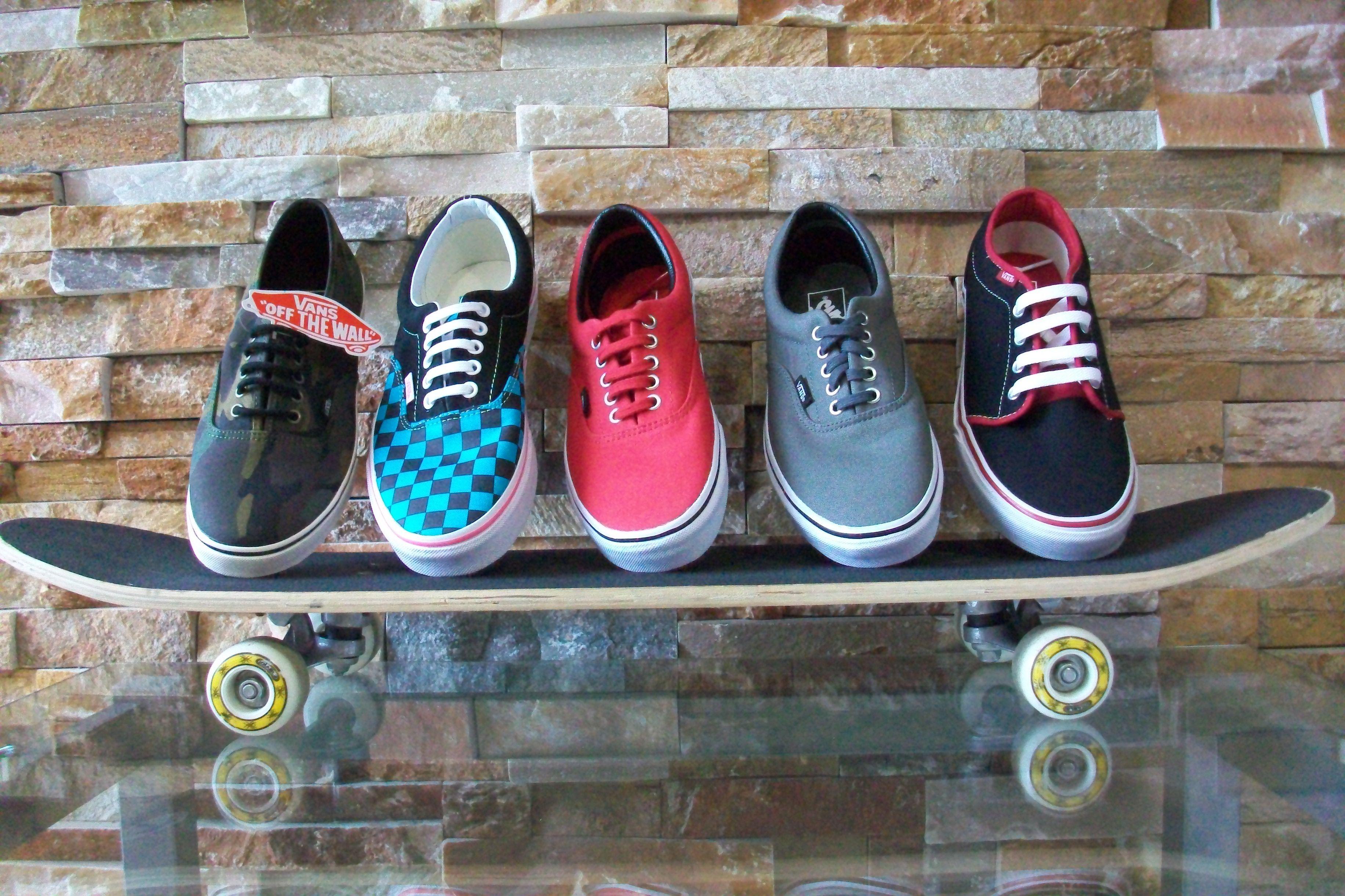 ¡Quiero unas zapatillas VANS!  En nivolia.com tenemos las zapatillas que estás buscando.