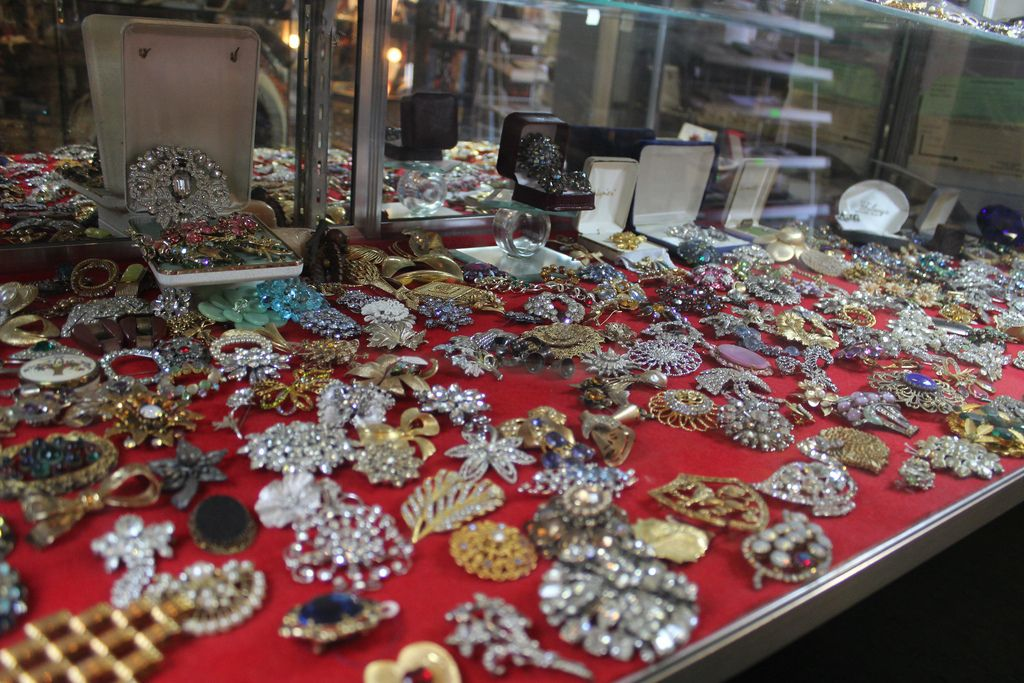 10+ Do thrift stores sell jewelry information