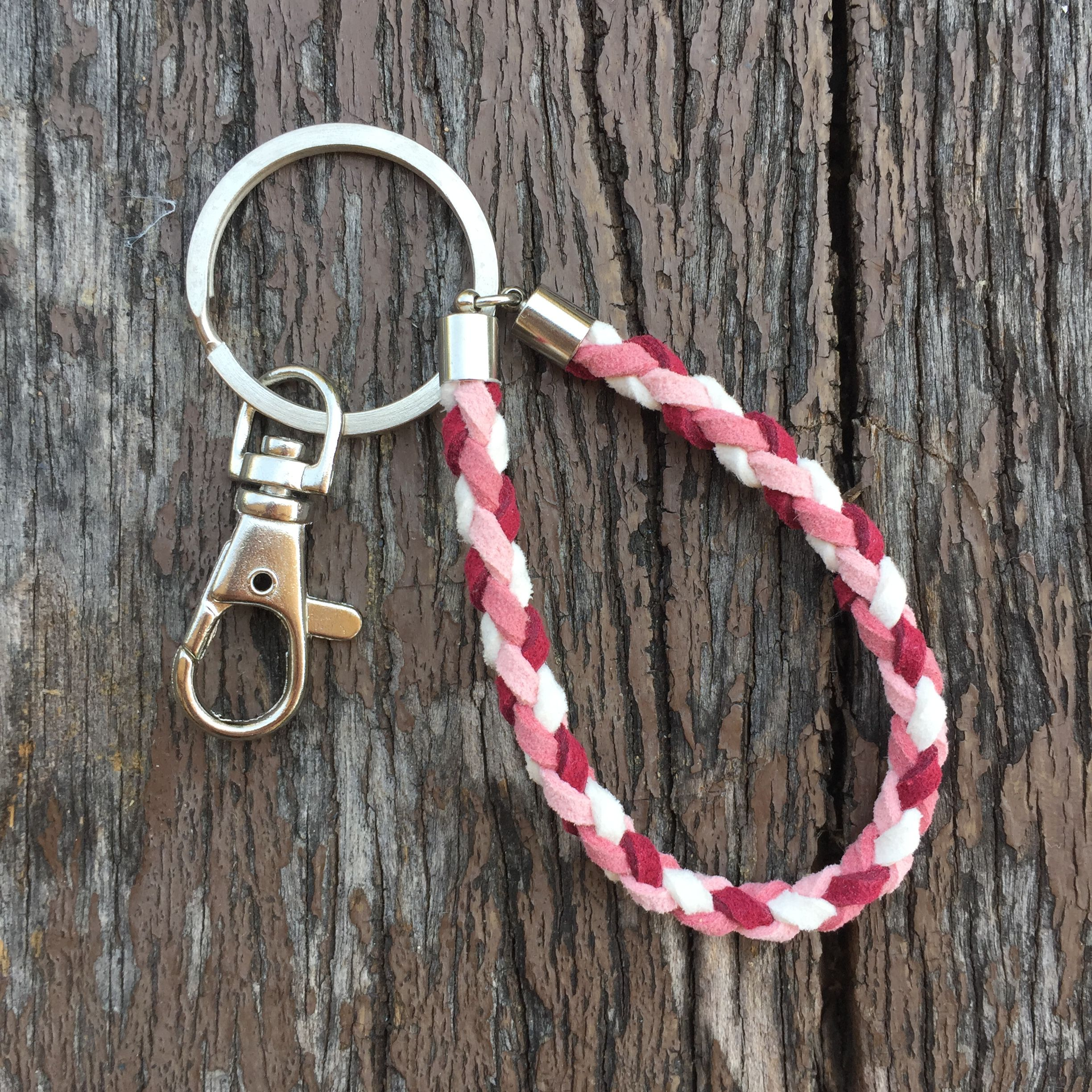 $6.9usd Handmade chamois knitting keychain with standard keyring and swivel clasp in pink. #keychain #handmade #crafts #diy #keyring