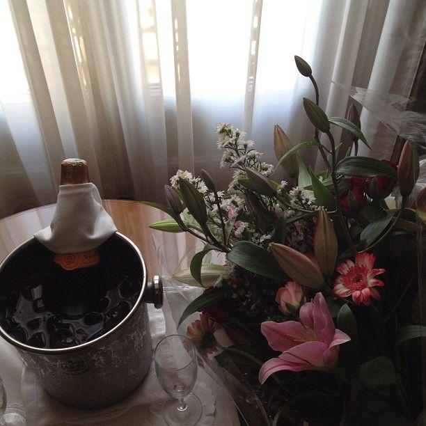 Champagne  au Carlton Photo by darya_bukina