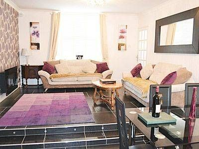 Seaspray Newbiggin-by-the-Sea Seaspray is a holiday home set in Newbiggin-by-the-Sea in the Northumberland Region and is 24 km from Newcastle upon Tyne. The unit is 45 km from Durham.  There is a dining area and a kitchen complete with a dishwasher and an oven.