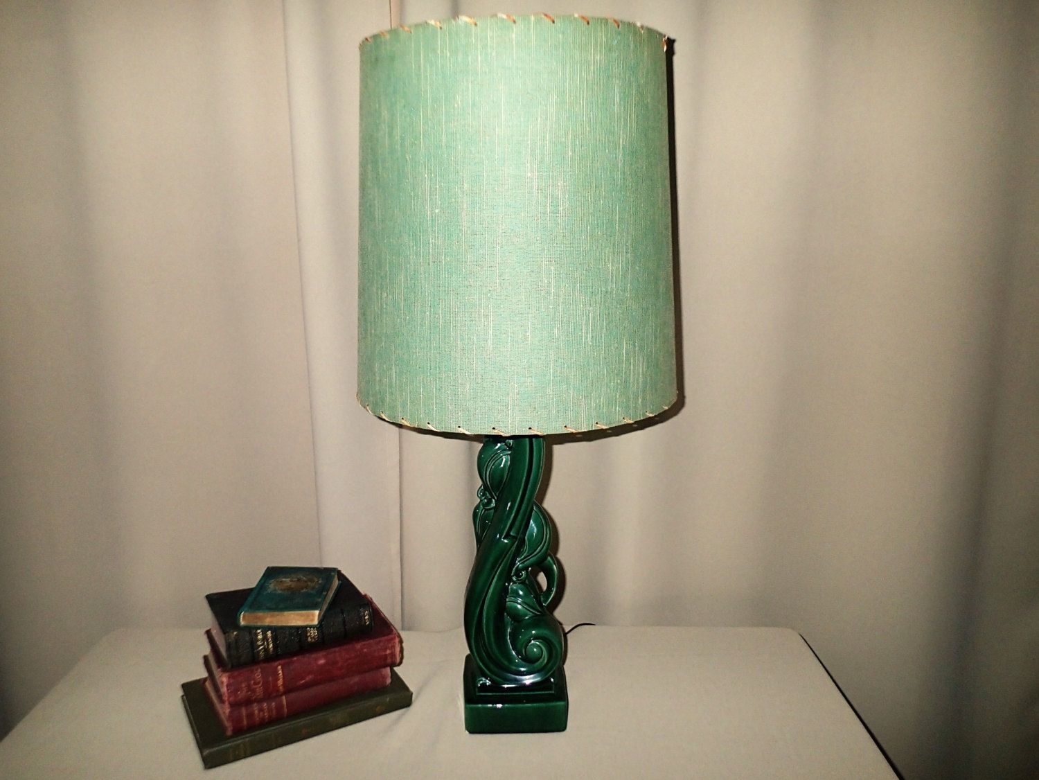 Vintage Ceramic Table Lamp Organic Floral Botanical Table Lamp With Vintage Laced Fiberglass Shade 1940s 1950s By Myret Ceramic Table Lamps Vintage Lamps Lamp
