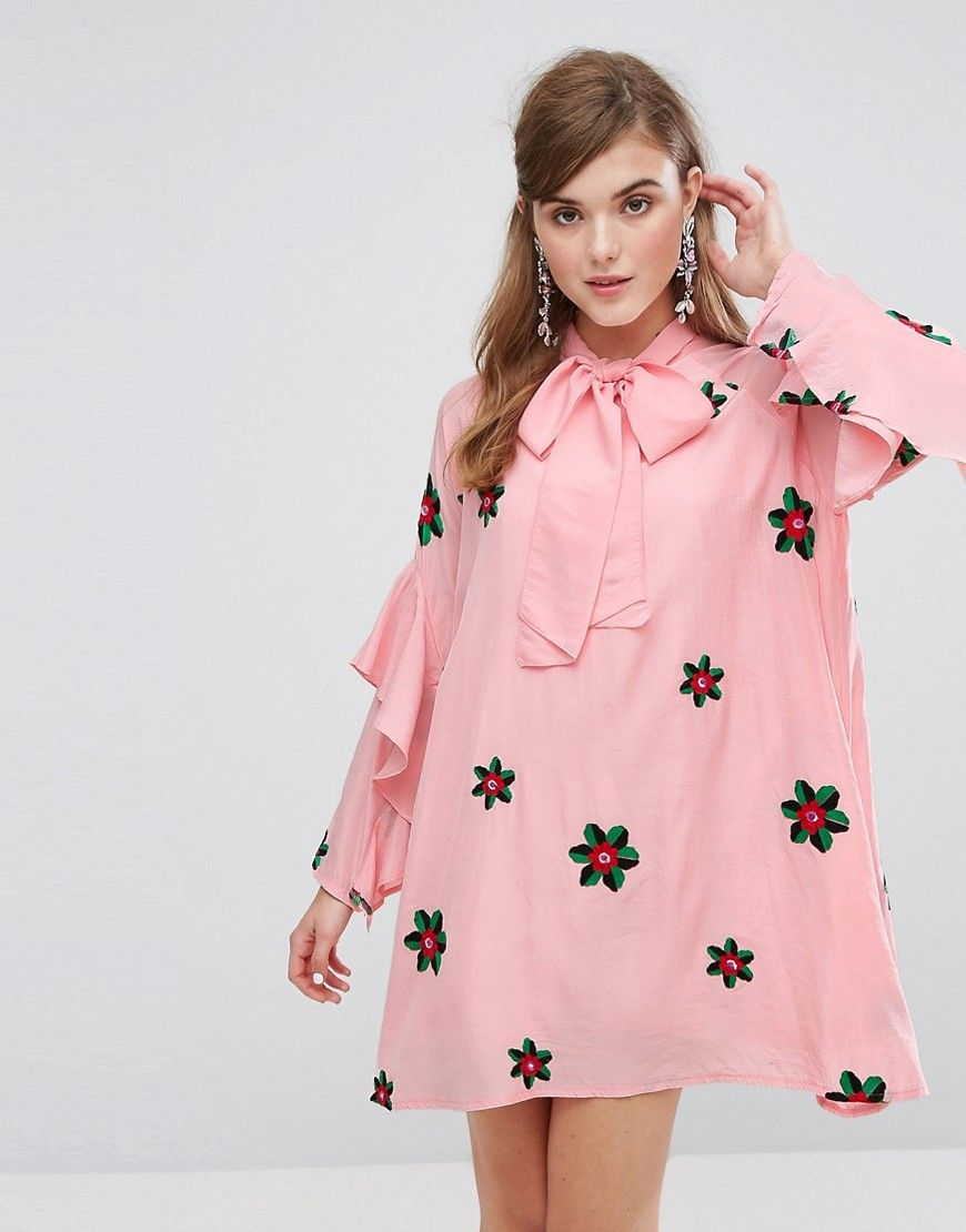 ¡Consigue este tipo de vestido informal de Sister Jane ahora! Haz clic para  ver los detalles. Envíos gratis a toda España. Vestido amplio con lazada al  ...