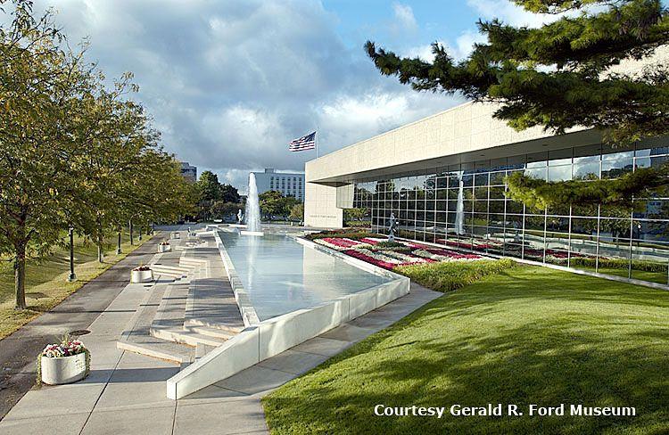 Gerald R Ford Museum And Burial Site Grand River Grand Rapids Mi Presidential Libraries Grand Rapids Michigan Travel