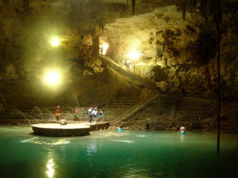 In Chitchen Itza ist so viel zu entdecken, auch das Innere von Höhlen wie z.B. auf dieser privaten Tour.