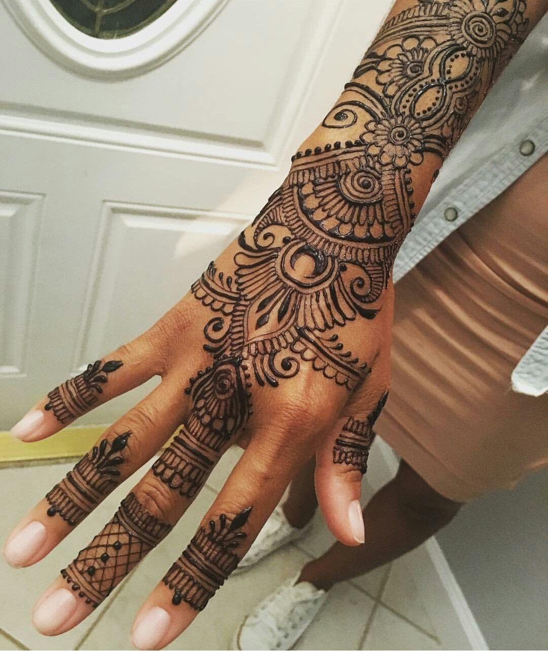 Red Henna Tattoo Hand: Prone Hand Henna