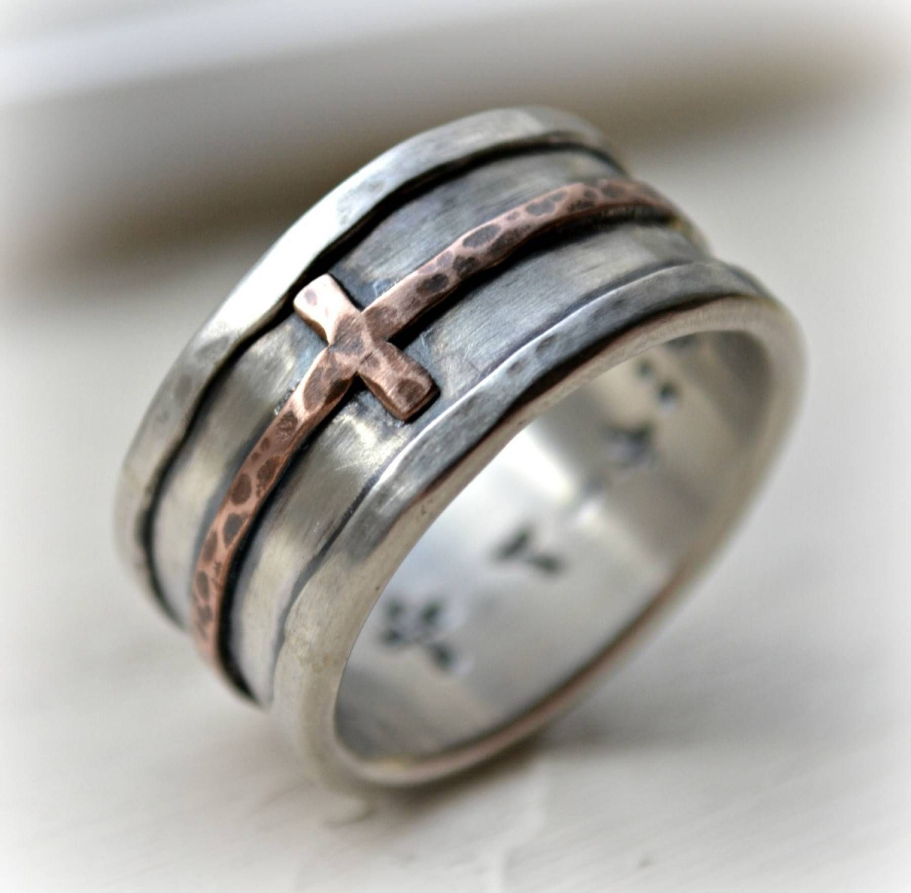 It is an image of 50 Ideen von Mens Scottish Wedding Bands #Verlobungsringe