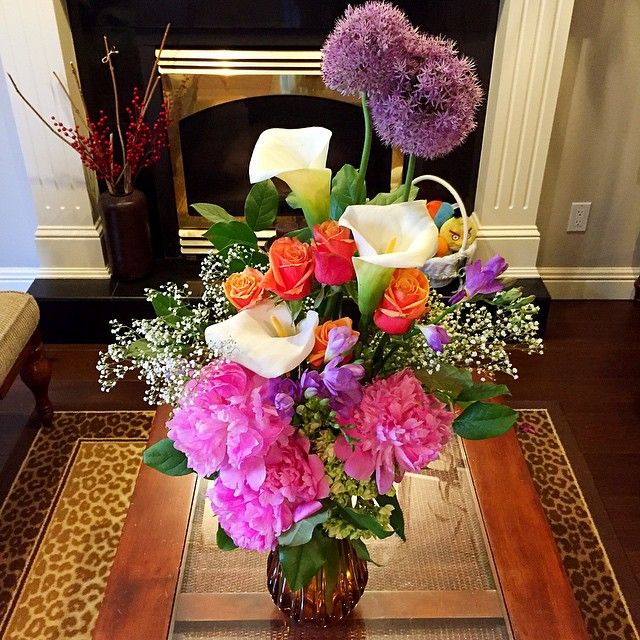 cool vancouver florist Happy #humpDay 💐💐 #flowers#peonies#lifestyle#flowerarangment#floristart#picoftheday#beautiful#lovely#vancity #vancouver #vancitybuzz instapic #instagood #homedecor#decoracaofloral #decorandocomflores#iloveflowers #instaflowers #flowerarrangmentgoodmood#floresemcasa #poteflores#instastyle  #vancouverflorist #vancouverflorist #vancouverwedding #vancouverweddingdosanddonts