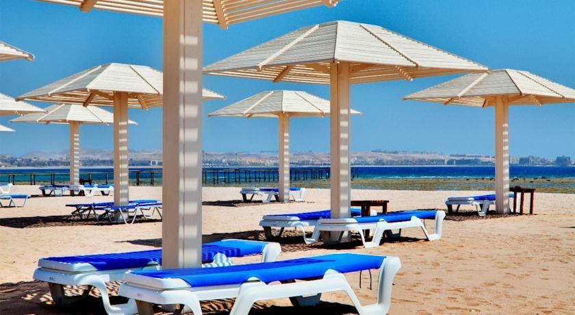 لسة عايز ارخص اسعار فنادق الغردقة احجز مع اجازاتكو أفضل فنادق الغردقة و استمتع باقامة في جو هادي على شواطى الب Travel Around The World Hurghada Patio Umbrella