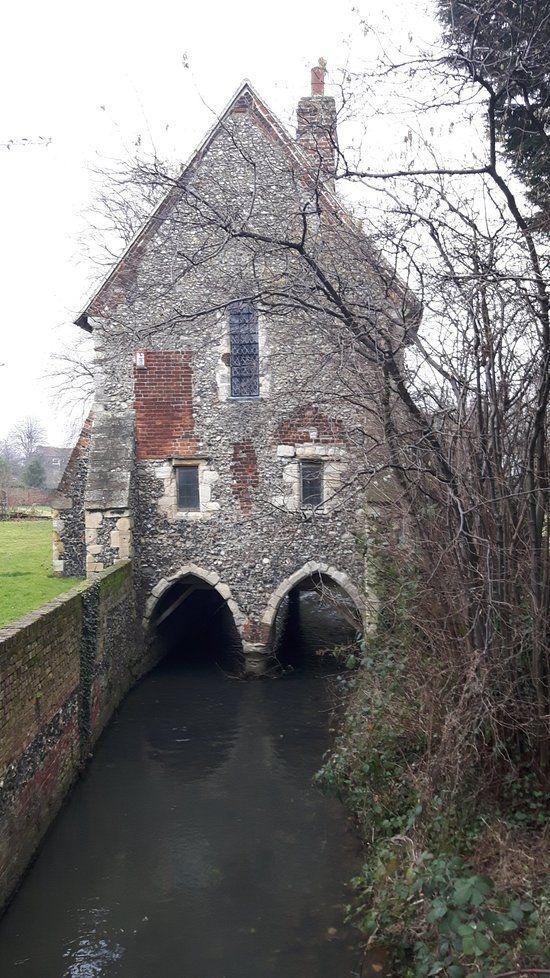 Greyfriars Chapel and Franciscan Gardens, Canterbury ...