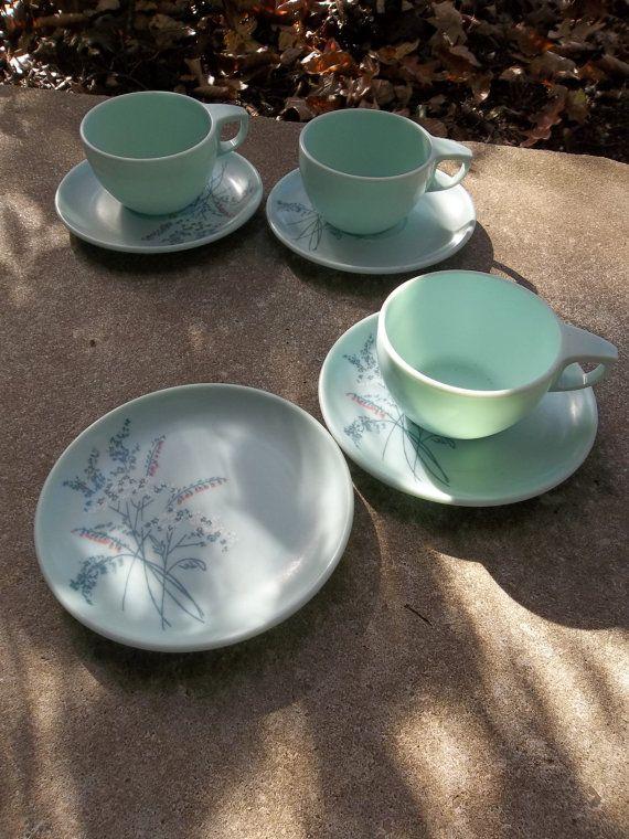 Vintage Melamine Dinnerware Melmac Dishes Dessert by misshettie $32.00 & Set Vintage Melamine Dinnerware Mismatched Pair RV Dinnerware Melmac ...