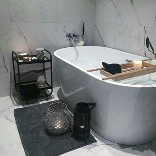 """Photo of VikingBad on Instagram: """"Nok et nytt og lekkert bad er på plass ???? Denne gangen hos @benedictehn . Takk til  @straumevatrom som deler sitt flotte arbeid med oss…"""""""