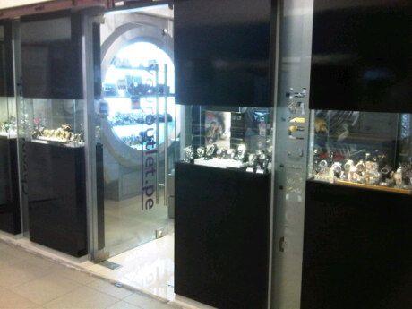 Relojes de las mejores marcas y scooters Razor ahora a los mejores precios.