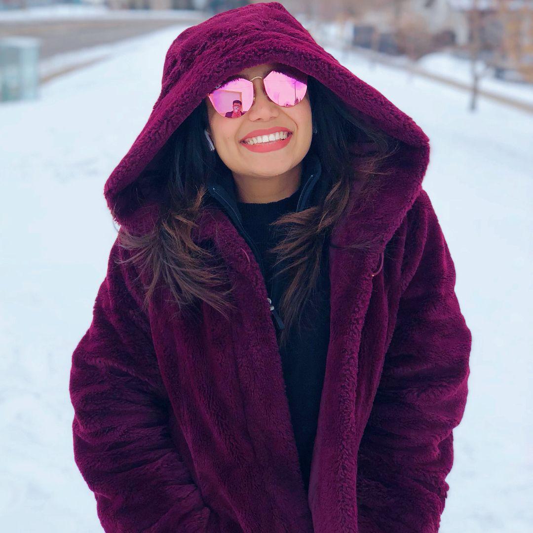 Let It Snow Calgary Canada Snow Nehakakkar Neha Kakkar Dresses Neha Kakkar Beautiful Bollywood Actress