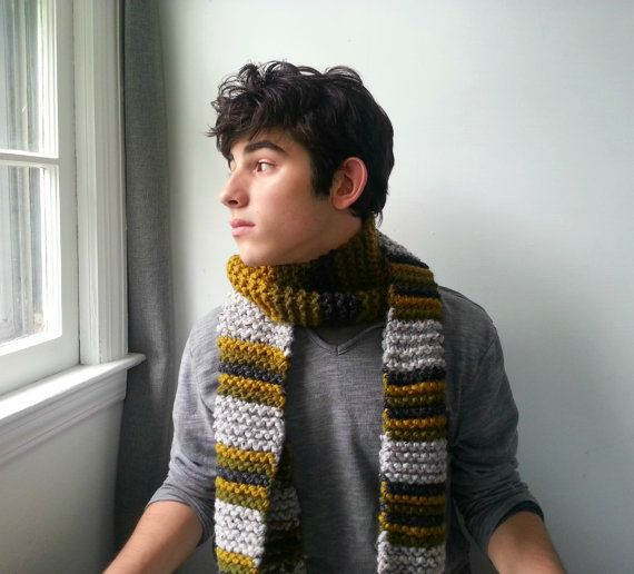 Check out this item in my Etsy shop https://www.etsy.com/listing/199612901/mens-handknit-chunky-scarf-in-gray-pea