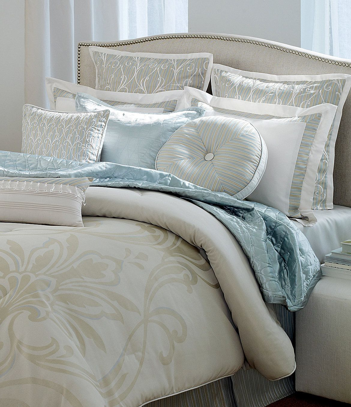 Spa Bedroom Decor Love This Bedding Doing Bedroom In Gray And Bathroom In The Spa