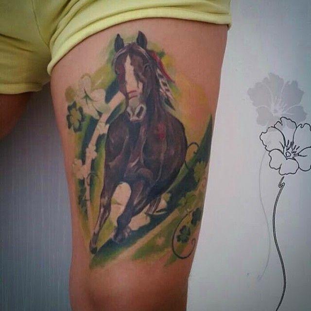 Gorgeous horse piece!  #horse #horsetattoo