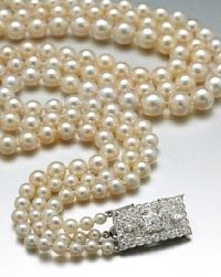 Beautiful sophisticated Pearls. You will not catch me wearing a fake one!
