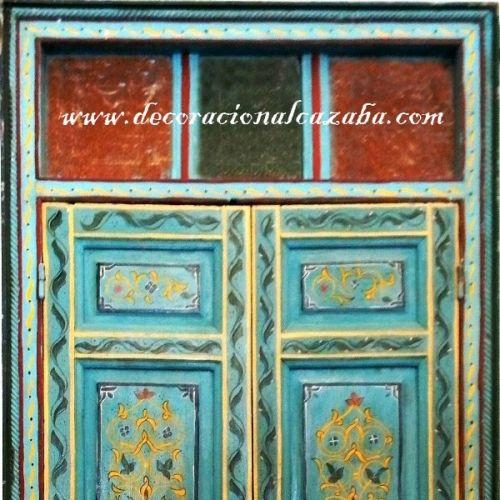 Compra online Puerta Árabe de madera pintada a mano con cristales de colores a precios baratos. Tienda de decoración árabe, Puerta Árabe de madera pintada a mano con cristales de colores Puertas y Portones