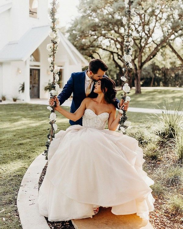 Must Have Wedding Picture List: 20 Must-Have Wedding Photo Ideas You'll Want To Steal