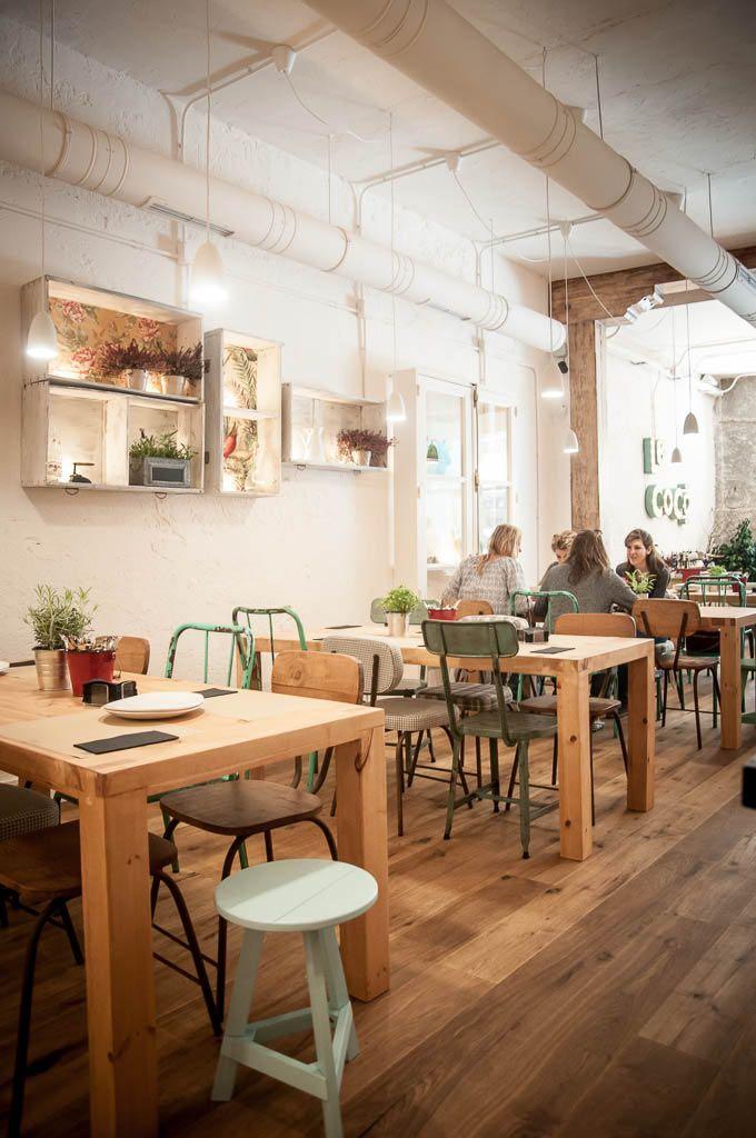 Restaurante y café de horario ininterrumpido en la calle Barbieri ...