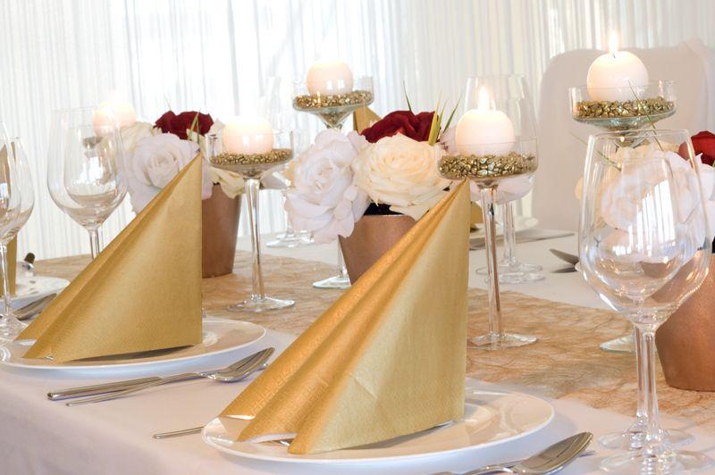 Gesamte Farbkomposition Tischdekoration Gold Weiss Meine