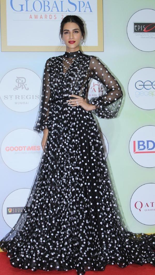 Pin by sweety sweety on kriti sanon Fashion, Bollywood