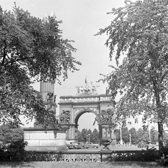 Grand Army Plaza, Prospect Park, Brooklyn, 1946.
