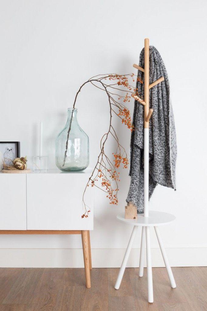 Design Kleiderständer TABLE TREE Holz von Zuiver | Kleiderständer ...