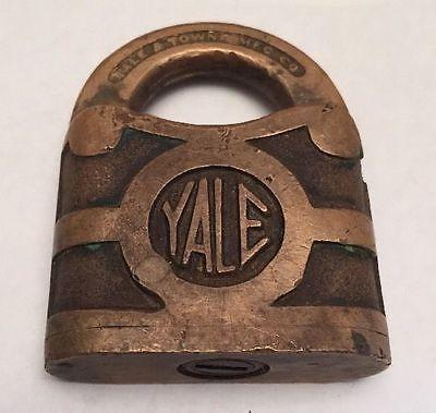 Yale Towne Br Padlock Lock No Key