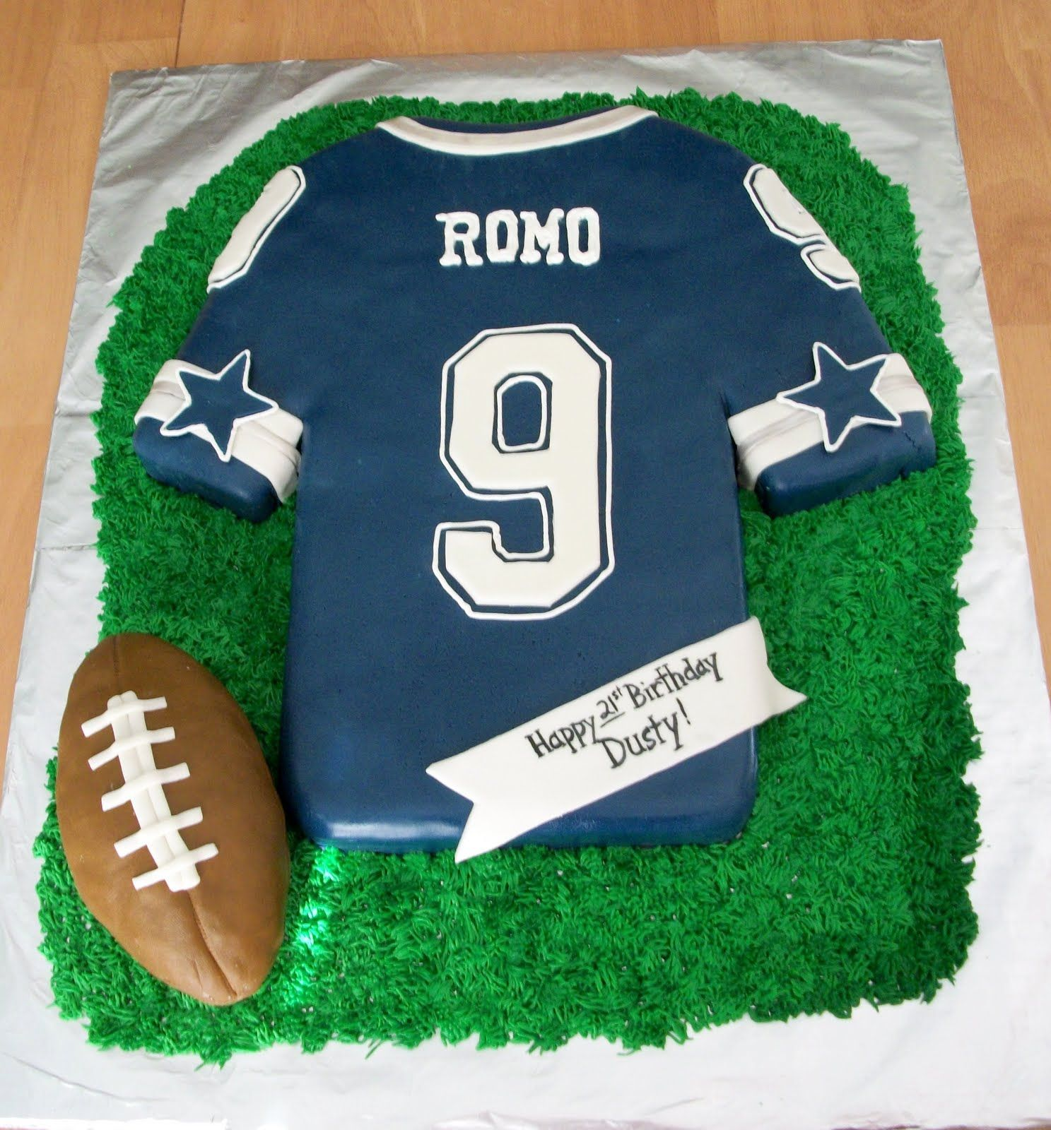 Football Jersey Cake This Is A Dallas Cowboys Tony Romo Jersey Cake For A Birthday It Is A Chocolate Fudge Cake Covered In Fondant With Fondant And