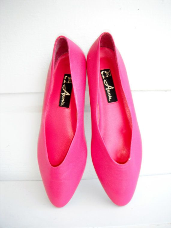 15 OFF SALE 1980s Hot Pink Flats in Size 8 by ArieleSierraDesigns, $14.99