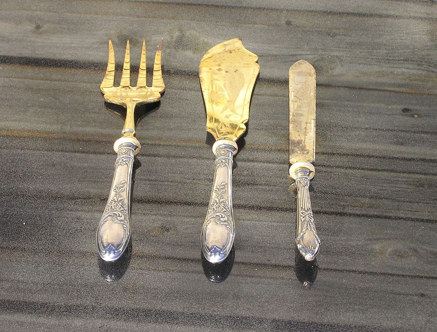 Dating antique forks and knives