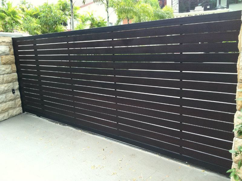 Sliding gate designs google search front courtyard in - Sliding main gate design for home ...