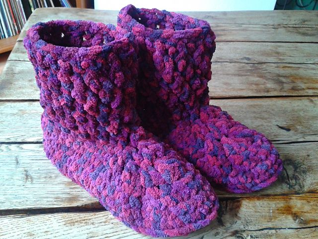 Chunky Yarn Slipper Booties: free crochet pattern | Crazy Cool ...