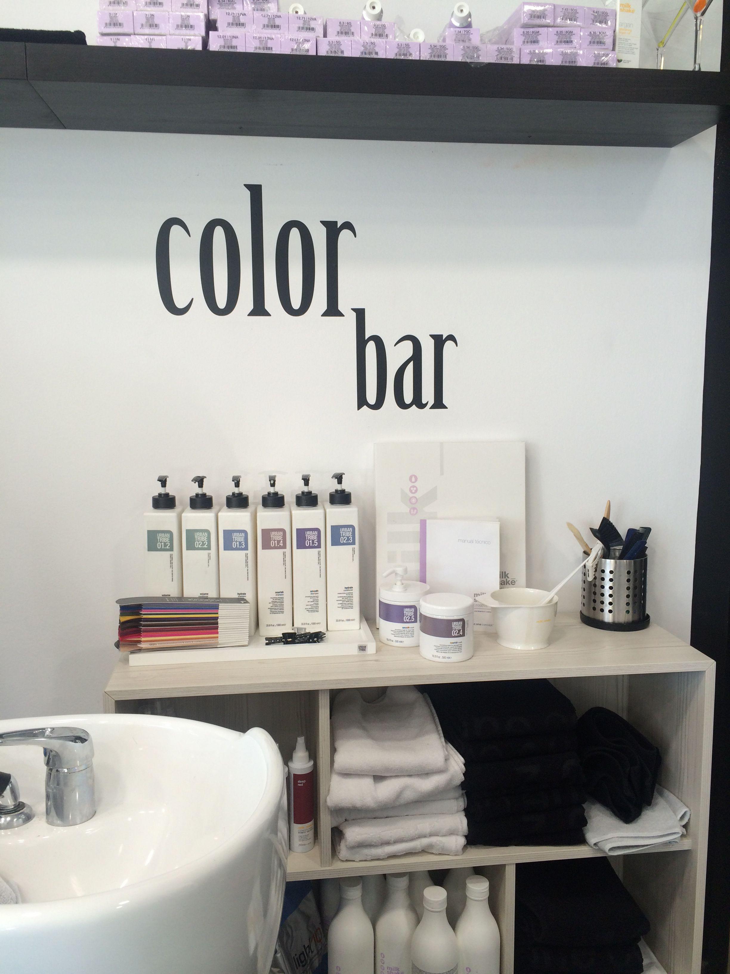 Vinilos decorados interior peluquería Gu Hair Salon. Color Bar, zona ...