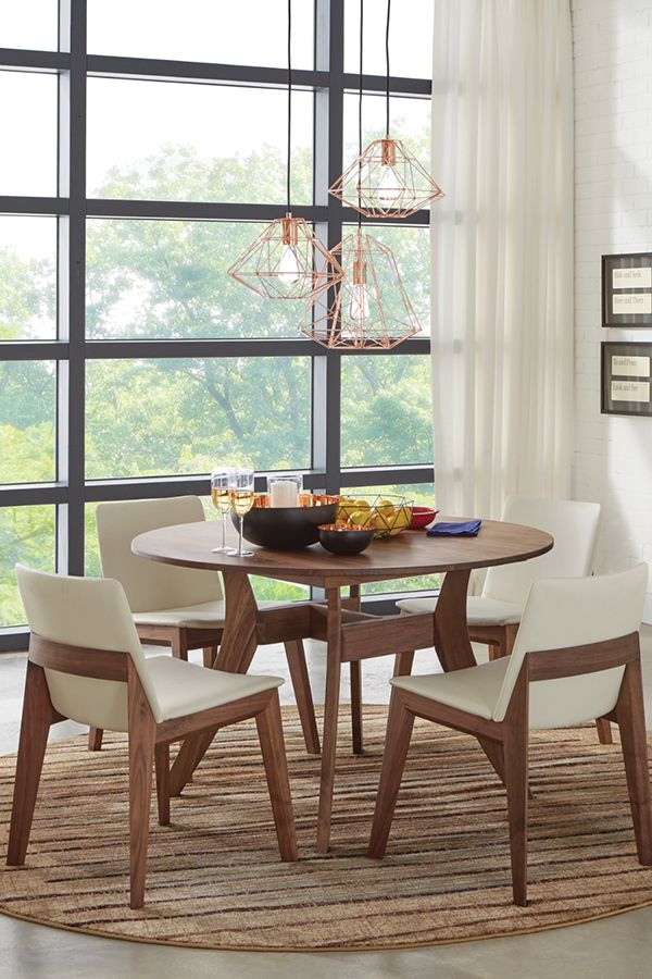 Have No Reservations About This Dining Set That S Timeless And