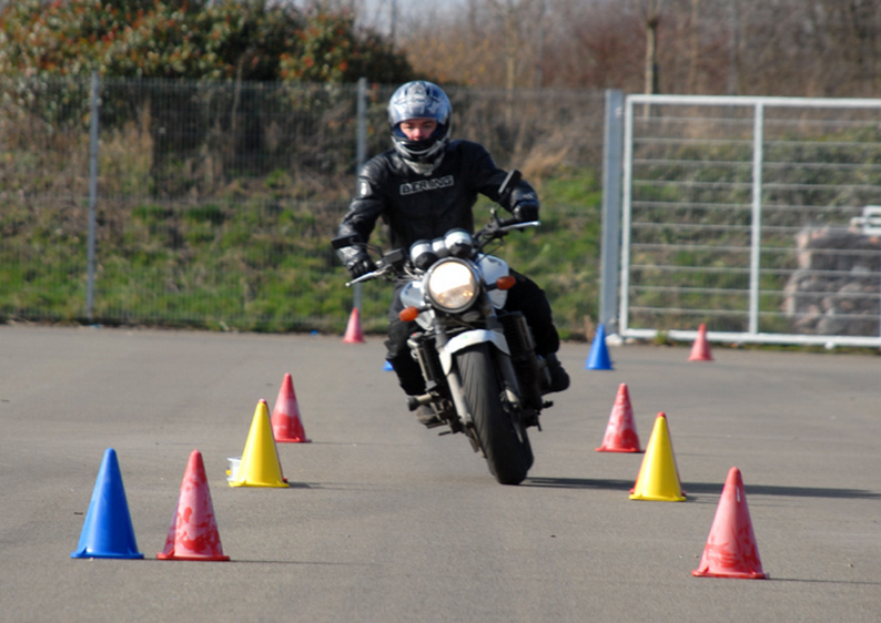 UK motorcycle licence laws made simple Motorcycle