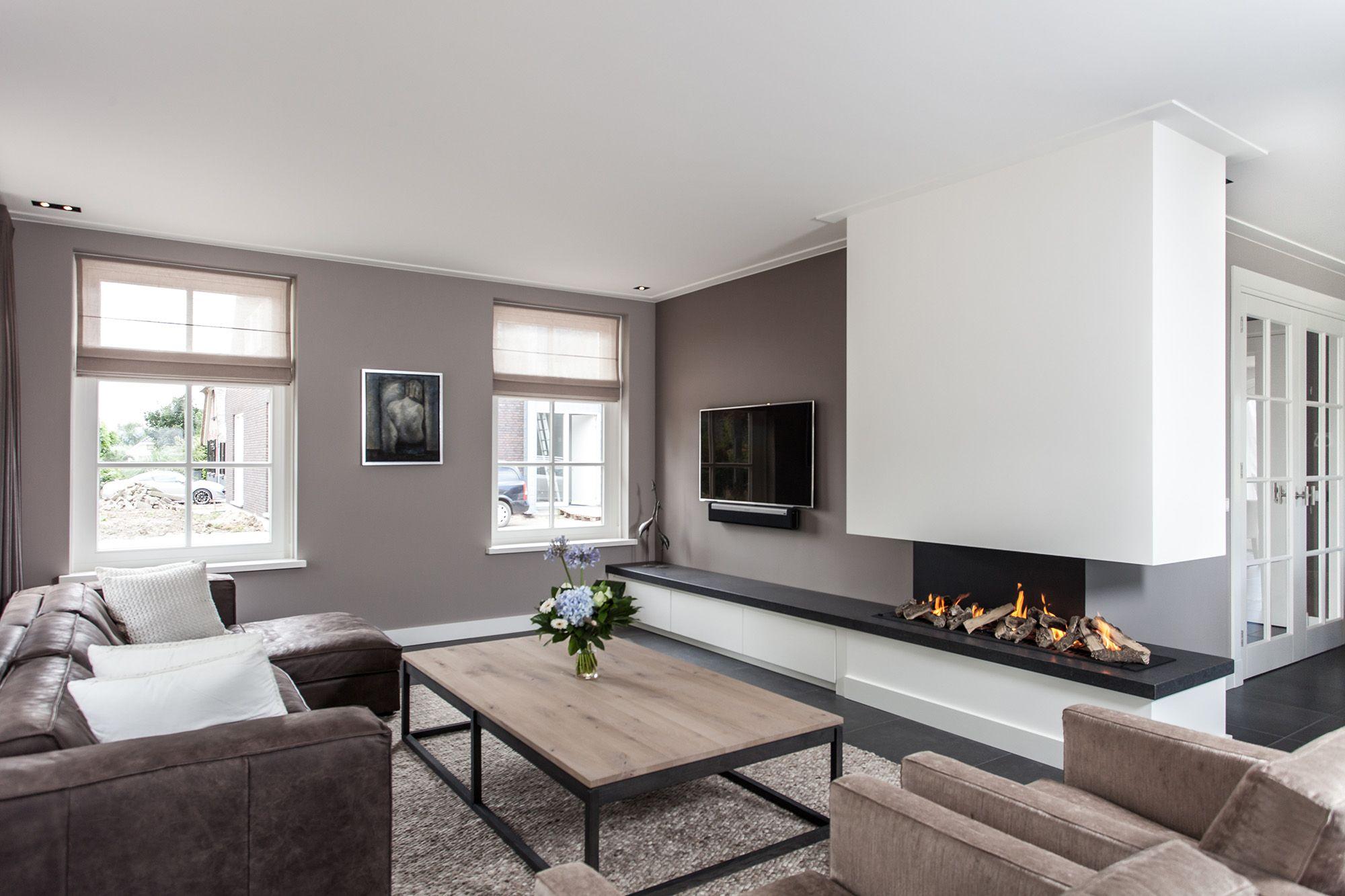 pingl par gg sur deco salon avec chemin e d co maison. Black Bedroom Furniture Sets. Home Design Ideas