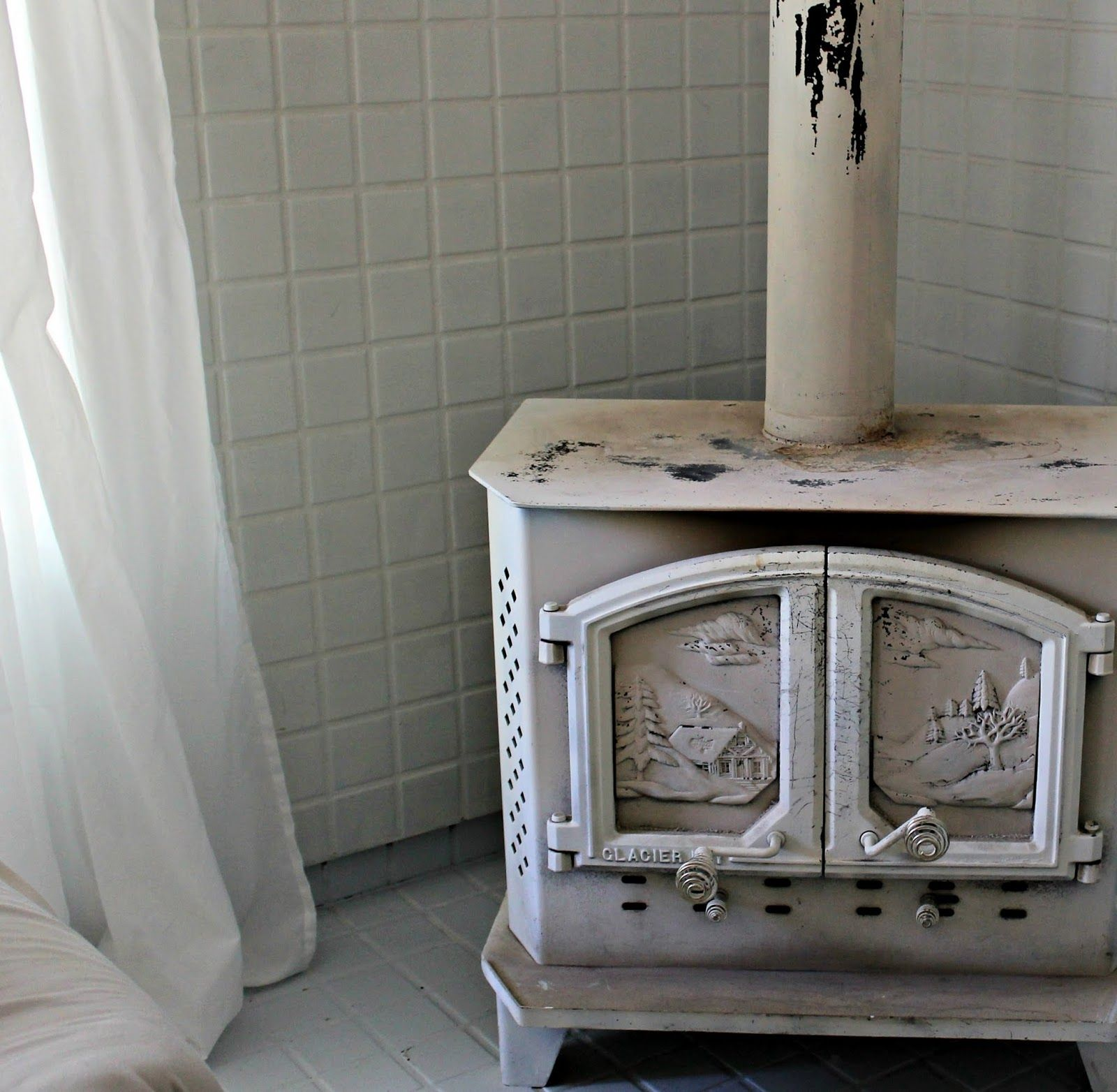 How to Paint a Wood Stove