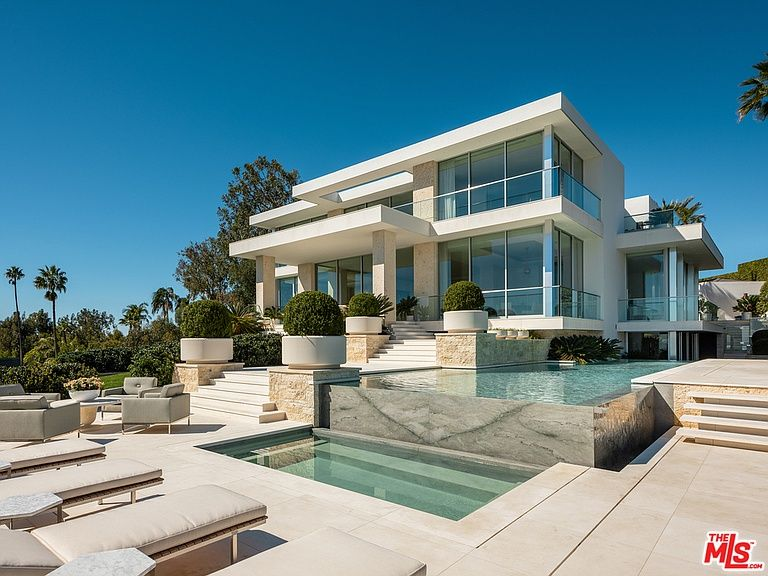 1500 Gilcrest Dr Beverly Hills Ca 90210 Mls 19464678 Zillow Beverly Hills Houses Mansions Expensive Houses