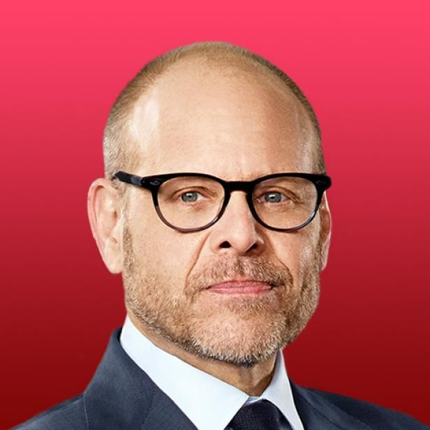 Alton Brown Host Of Good Eats Appears Regularly On Food