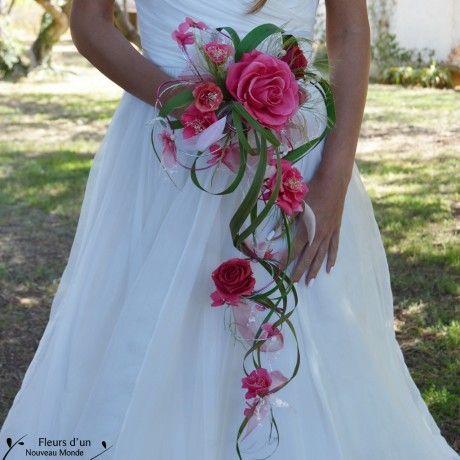 Wasserfall Hochzeitsstrauß Verführung in natürlichen Blumen stabilisiert. Sie po ... #flowerbouquetwedding