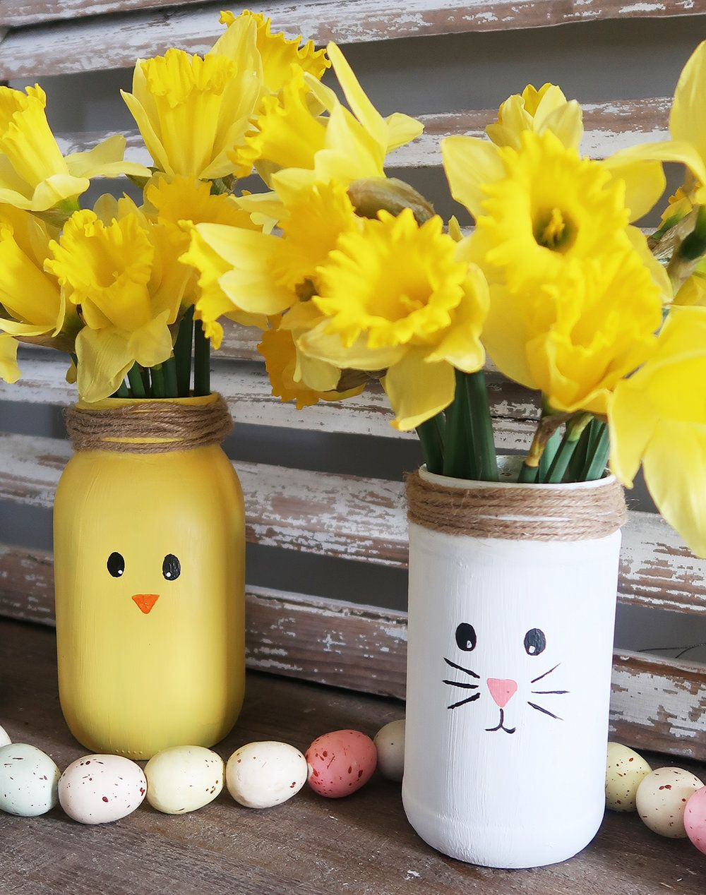 DIY Easter Chick Mason Jar Vase - Weekend Craft